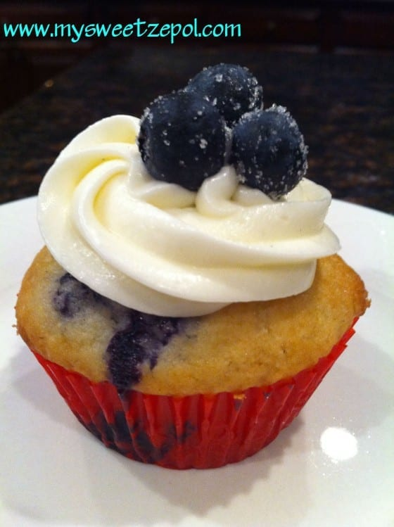 Blueberry Cupcake with Cream Cheese Frosting with Fresh Blueberries