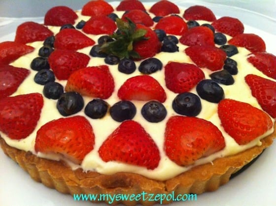 Lemon Cream Tart with fresh strawberry and blueberry / by My Sweet Zepol - blog /