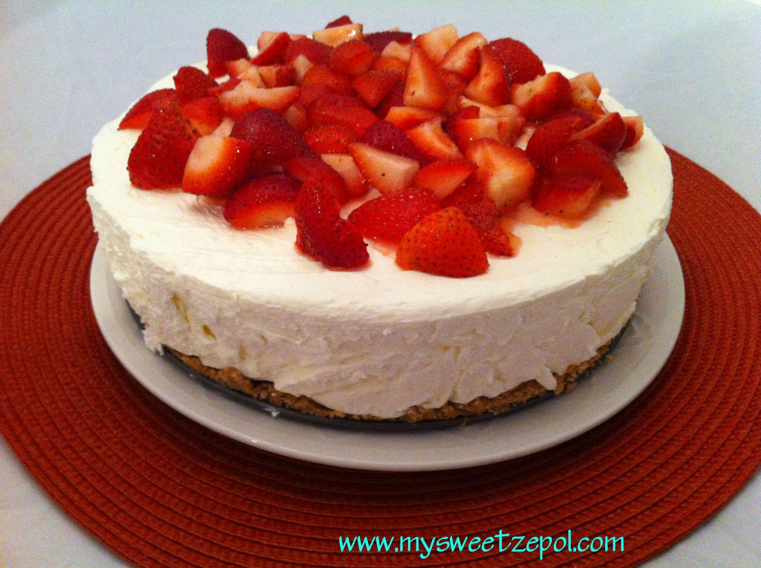Strawberry No-Bake Cheesecake With Chocolate Crust Recipe ...
