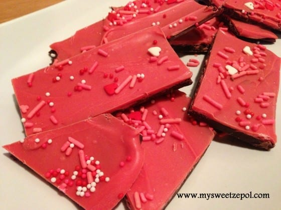 Be-my-valentine-chocolate-bark-treats-plated