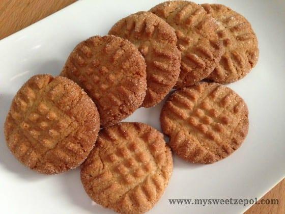 31-Days-of-Cookies-Peanut-Butter-Chocolate-Cookies-plate-1-my-sweet-zepol