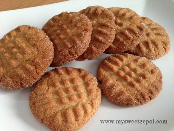 31-Days-of-Cookies-Peanut-Butter-Chocolate-Cookies--plate-my-sweet-zepol