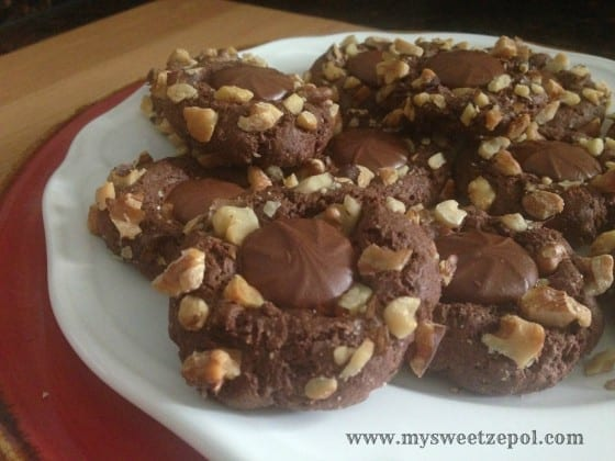 31-Days-of-Cookies-Walnut-Chocolate-Blossoms-my-sweet-zepol