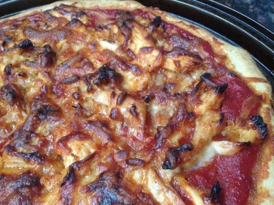 BBQ-chicken-pizza-and-mozzarella-my-sweet-zepol-2014