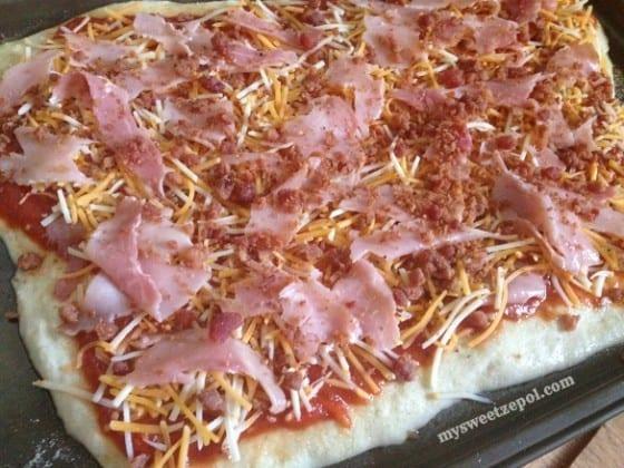 Bourbon-Ham-and-Bacon-Pizza-mysweetzepol