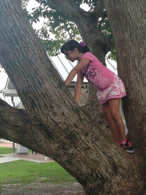 tree-climbing-kiri-wandalopezdesigns