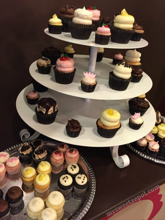 Gigi's Cupcakes #GFreeGigis display / #glutenfree