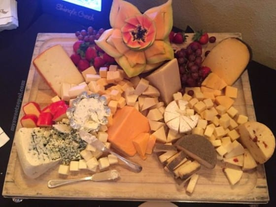 Cheese platter from Wisconsin Cheese for #FWCon / My Sweet Zepol