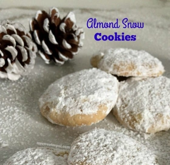 Almond Snow Cookies {#tbt series} / cookies perfect for the Holidays / by My Sweet Zepol