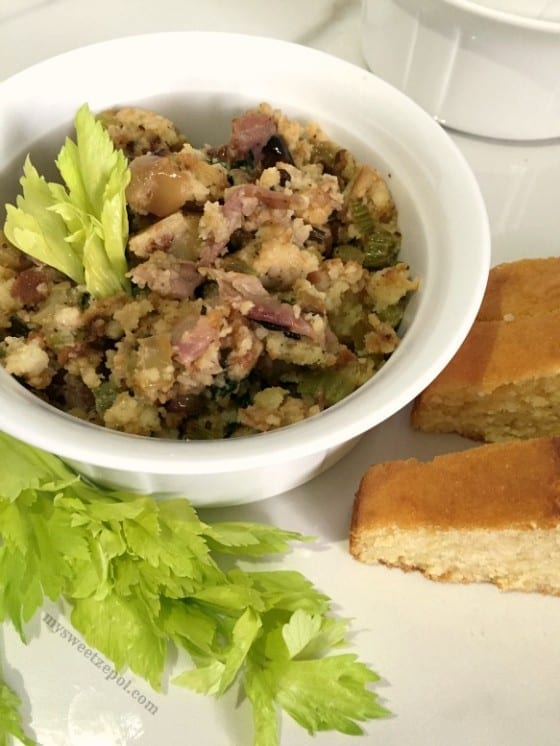 Prosciutto Cornbread Stuffing / the perfect side dish for the holidays (or anytime during the year) / by My Sweet Zepol #MSZrecipe