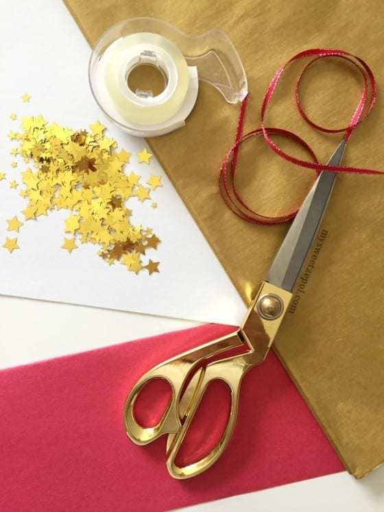 New Year's Eve Party Poppers {DIY} #NaturallyCheesy #CollectiveBias ad / by My Sweet Zepol - blog