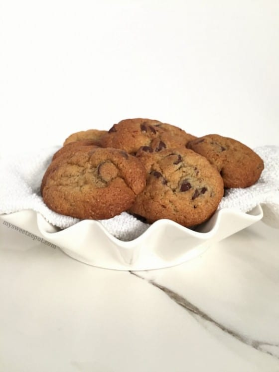 Mouth watery, melt in your mouth, rich chocolate chip cookies / warning this chocolate chip cookies are super addictive / recipe by Wanda Lopez for My Sweet Zepol #foodblog Easter in June / #chocolatechipcookies