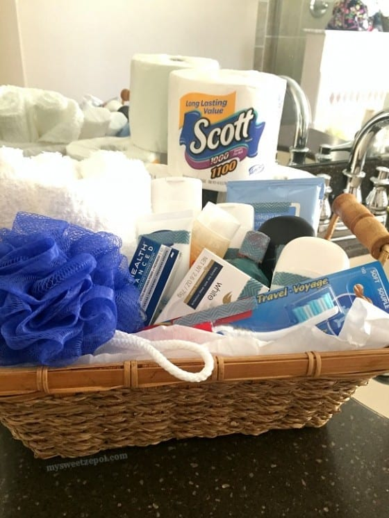 Get ready for house guests with customized bathroom essential gift baskets / #Scott100More #CollectiveBias #ad / by My Sweet Zepol - food and lifestyle blog #diy