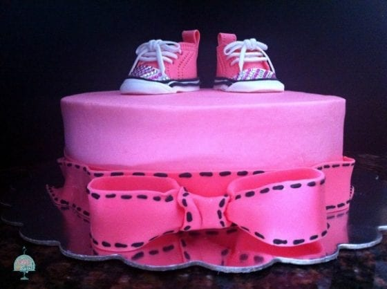 Converse Chuck Baby shoes cake / perfect for your baby shower / cake by My Sweet Zepol #foodblog