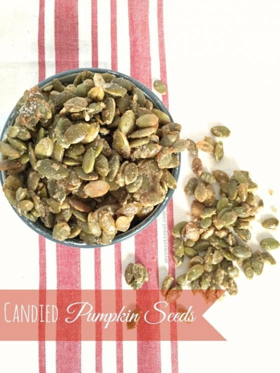 Candied Pumpkin Seeds / also known as candied pepitas, they will become your favorite Fall snack / super easy to make and can be added to granola or a trail mix / recipe by My Sweet Zepol #foodblog