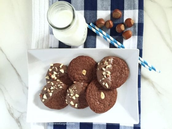 Flourless Hazelnut Chocolate Cookies, the best #glutenfree cookies you'll ever have / by Wanda from My Sweet Zepol - #foodblog