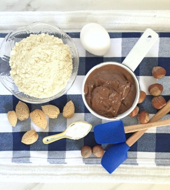 Flourless Hazelnut Chocolate Cookies, the best #glutenfree cookies you'll ever have / by Wanda from My Sweet Zepol - #foodblog / find the #recipe in the blog