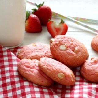 Strawberry and White Chocolate Cake Box Cookies