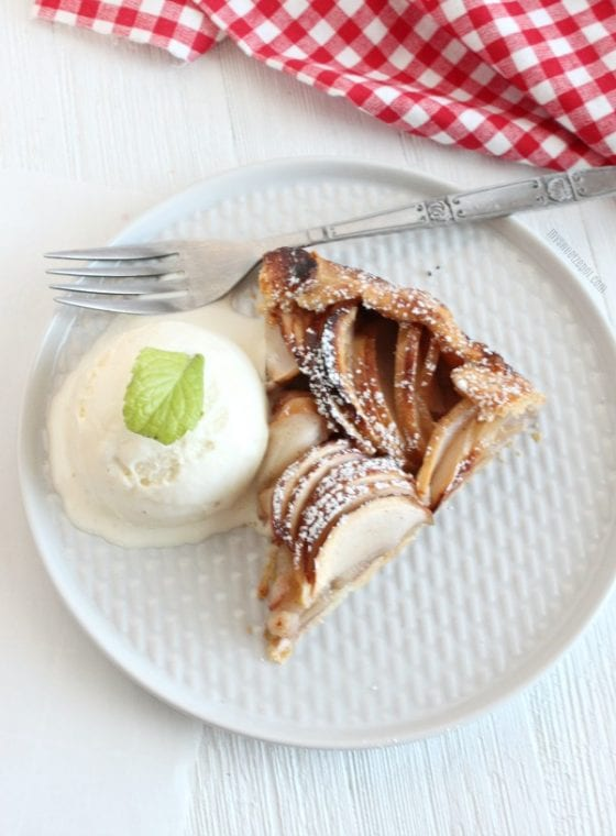 Grab a slice of this Rustic Apple Tart fills the entire house with a warm and inviting smell that no one can ever resist. Get the recipe at mysweetzepol.com