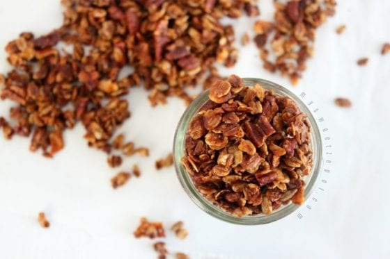 Ginger Bread Granola is my take on the classic ginger bread flavor of the sesason. Stay on track with a good and healthy snack during the holidays and year round. Grab the recipe at mysweetzepol.com #granola #healthyrecipe