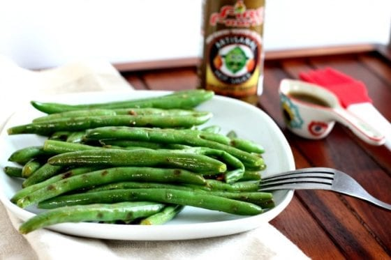 Lime cilantro-habanero grilled green beans with roasted garlic is the best side dish ever and it's super easy to make, outdoors or indoors. Grab the recipe at mysweetzepol.com #sidedish