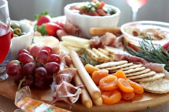 Party size cheese platter for the win! Entertaing like a boss. Grab the recipe at mysweetzepol.com #cheeseplatter