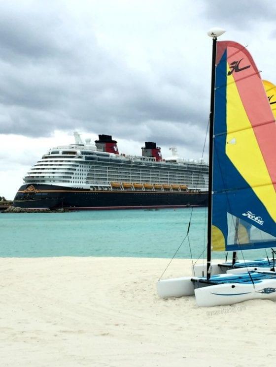 10 Must Haves for a Disney Cruise / Disney Cruise Line / Disney Dream / #MSZlifestyle #DisneyMom