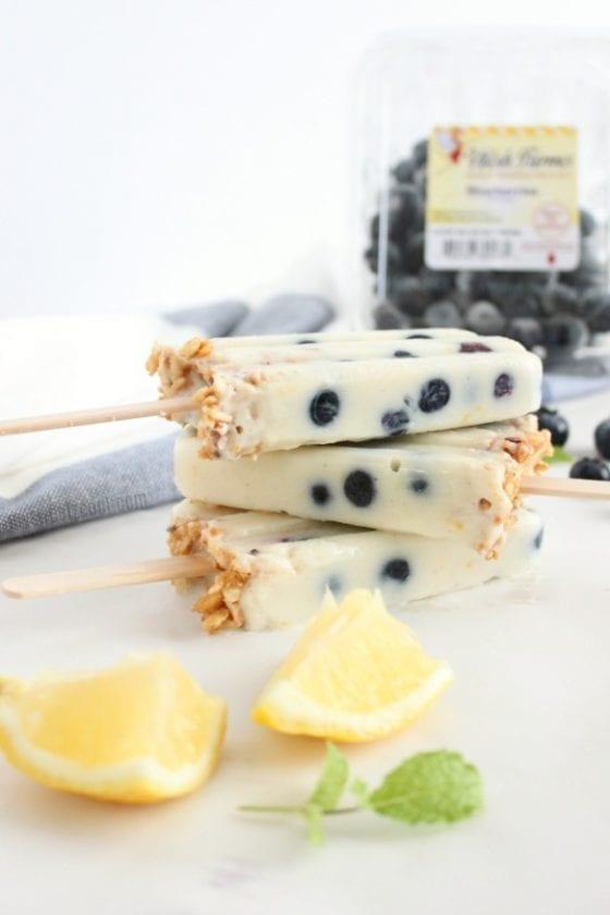 easy blueberry yogurt popsicles
