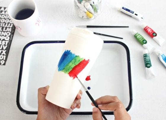 DIY travel tumbler for all your summer adventures, acrylic paint and brushes at hand (The Best 5 tips for an enjoyable summer and a Tumber DIY) / #ReLAXOnTheGo #CollectiveBias #ad
