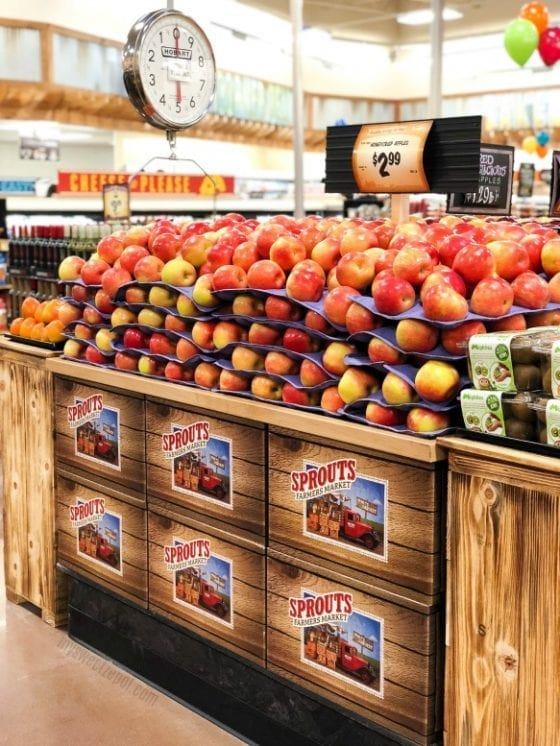 fresh produce; fruits and vegetables found at Sprouts Farmers Market #NewKaleInTown