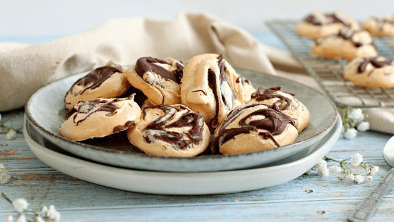 Chocolate Swirl Meringue