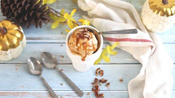 homemade Salted Caramel Pumpkin Ice Cream made by My Sweet Zepol / #PumpkinWeek